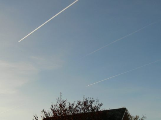 early morning UK chemtrail Sat 29th Sept 2018 one of two sets of three parallel trails simultaneously.