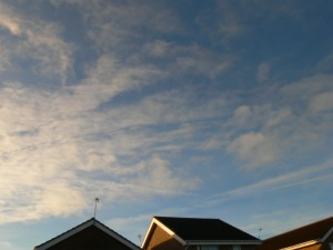 chemtrail UK 10:01 GMT 14th Jan 2019 ... note the altered ie 'aluminized sky'.