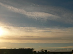 UK chemtrail 13:55GMT 14th Jan 2019 ... note the altered ie 'aluminized sky'.