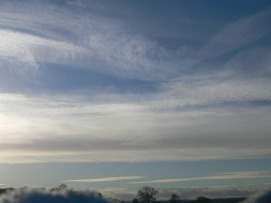 UK chemtrail 13:59 GMT 14th Jan 2019 looking west.