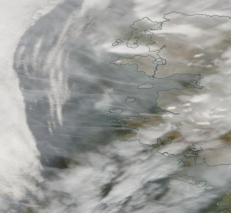 chemtrail pic 14 Feb 2019 Ireland ... also out into the Atlantic in among a white screen of cloud can be seen the chemtrails flying in.