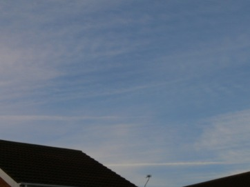 UK chemtrail 6th Feb 2019 morning chemtrail... a lot of that is chemtrail !