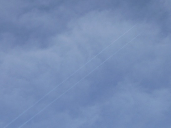 UK contrail i suspect will haze to chemtrail ? ... 6th Feb 2019 14:33 GMT chemtrail... hazy from chemtrail already.