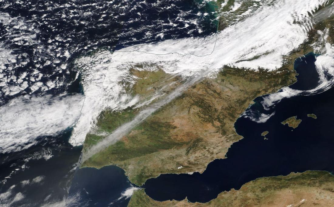 chemtrail across Spain 17th March 2019 ... https://go.nasa.gov/2JkgUJK
