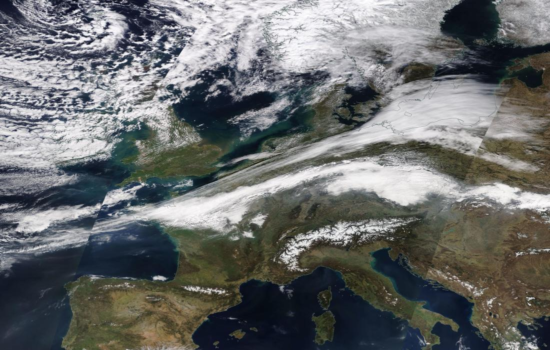 chemtrail Europe Sunday 24th March 2019 ... https://go.nasa.gov/2Wnsplb ... deliberate chemtrail / geo-engineering.