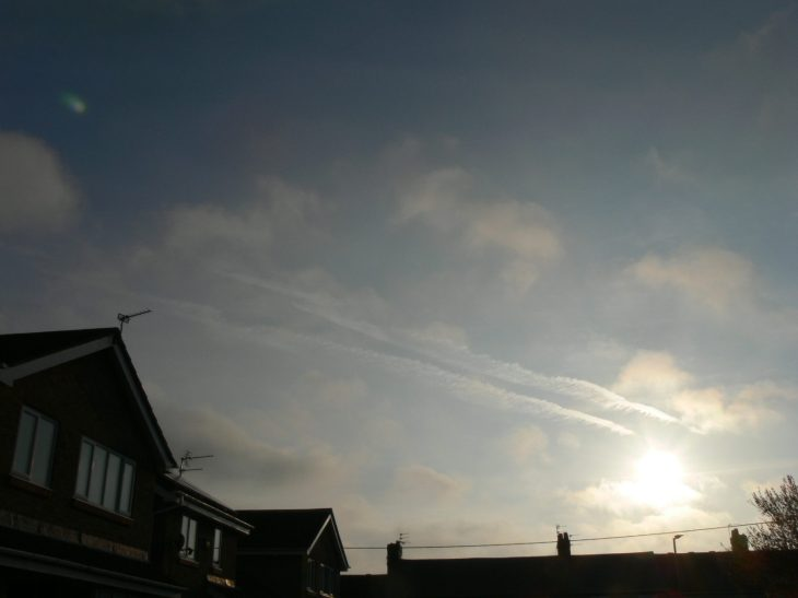 UK chemtrail 30th March 2019 0716 GMT ... deliberate geo-engineering.
