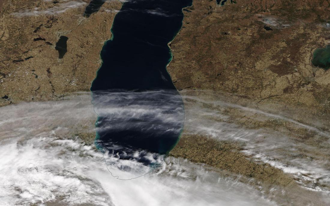 chemtrail geoengineering Lake Michigan, Milwaukee, Chicago 24 April 2019 ...https://go.nasa.gov/2UVaG8u