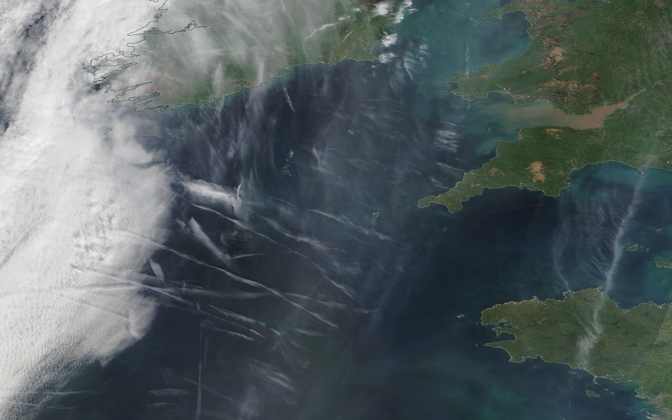 chemtrail geoengineering southern Ireland Easter Saturday 20th April 2019 ... https://go.nasa.gov/2UMICUR