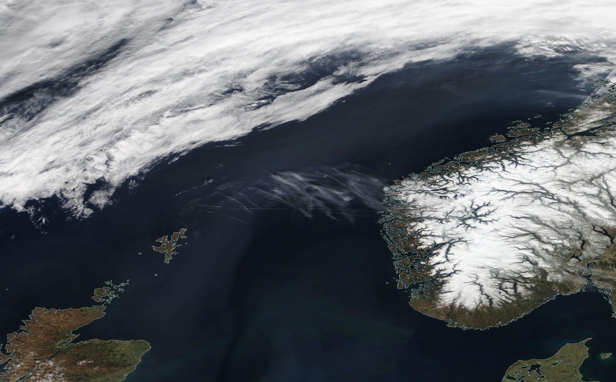 chemtrails Norwegian Sea Easter Monday 21 April 2019 ... https://go.nasa.gov/2URbr2a