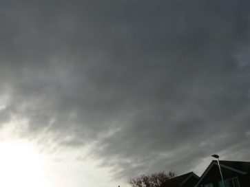 chemtrails UK geoengineering 1st April 2019 08:06 BST note the extent of the spreading haze, now we have the dark grey bank of aluminized cloued arriving from the west.
