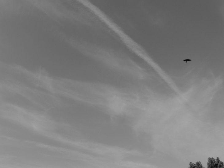 chemtrail geoengineering UK 5th April 2019 a hazy aluminized sky 09:56 BST