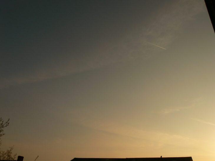 chemtrail geoengineering NE UK Thursday 18th April 2019