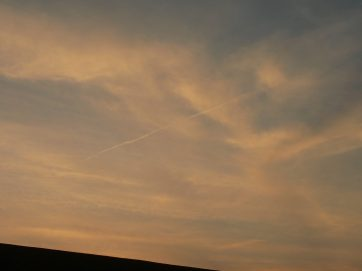 chemtrail geoengineering UK 19 April 2019 ... teatime to sunset.