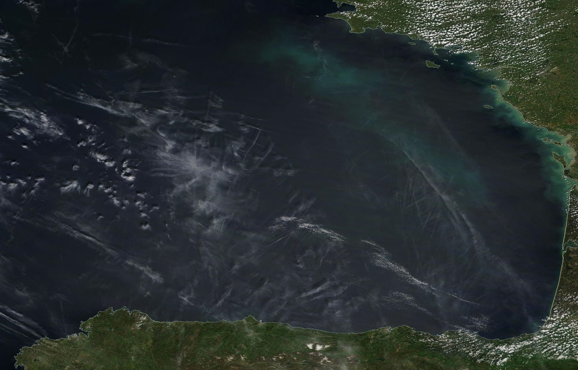 Biscay, northern Spain, western France, west of Bordeaux chemtrails geoengineering Sunday 12 May 2019... https://go.nasa.gov/2EgSkVh