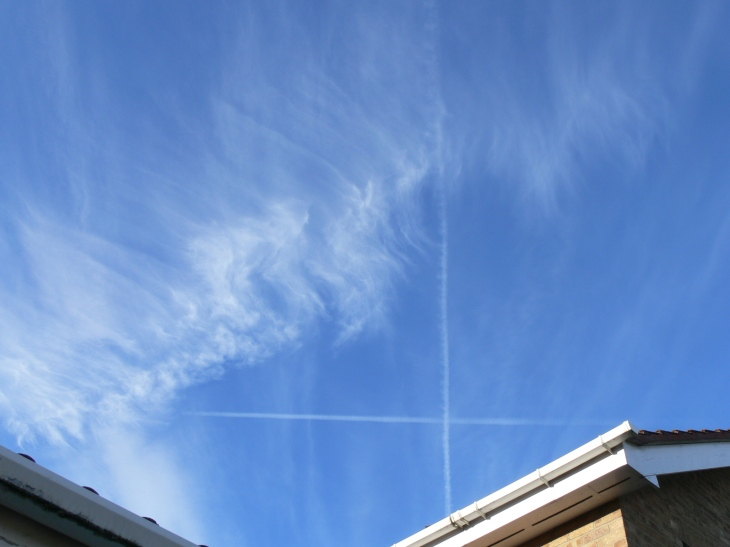 17th June 2019 chemtrail lines in the sky / geoengineering, north east England.