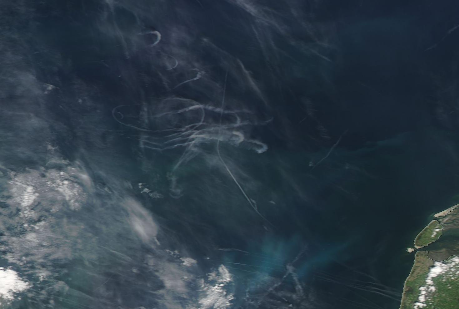 circles of chemtrail on NASA sat image 17 July 2019 https://go.nasa.gov/2JGhH5P