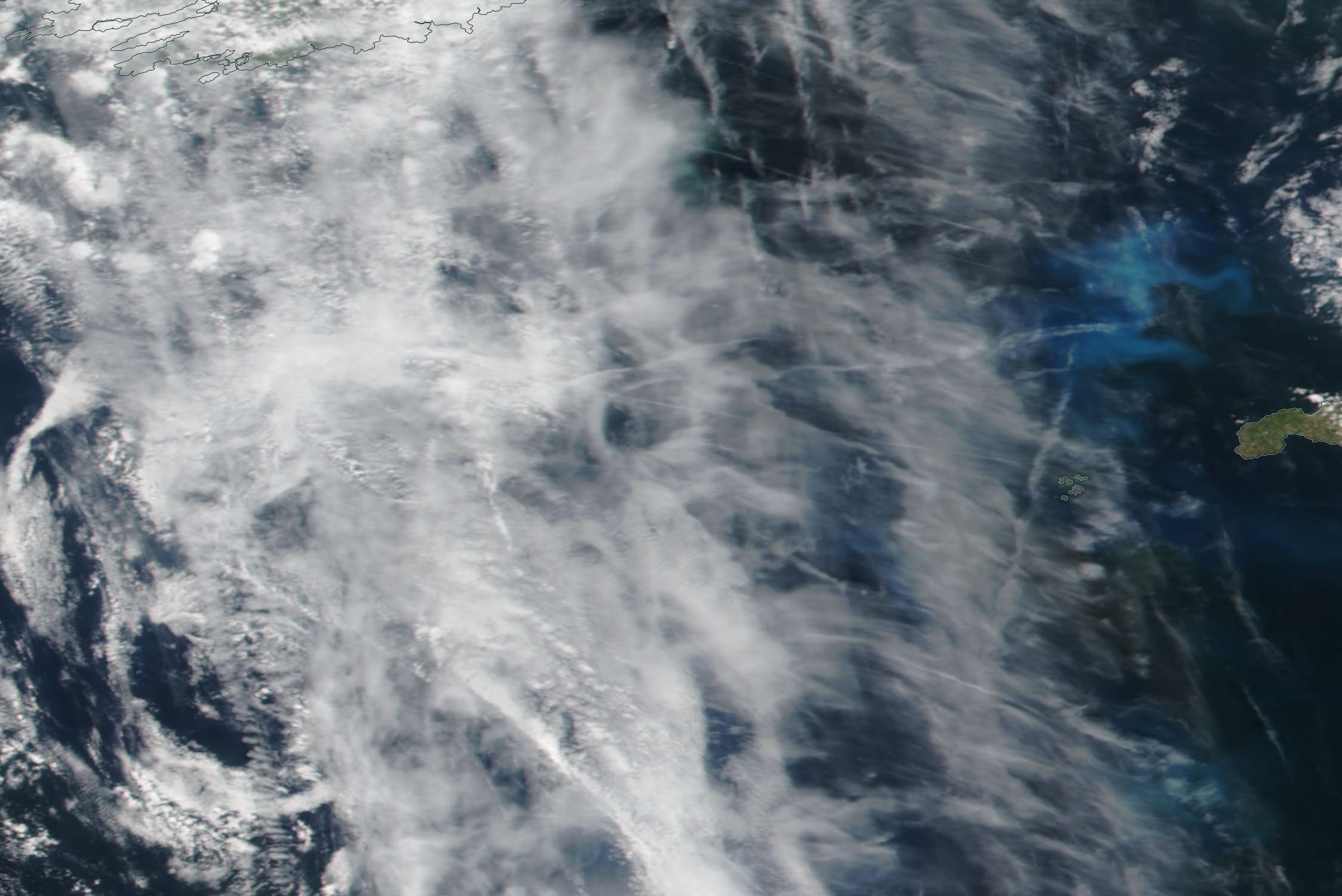 ditto using upper base layer on NASA worldview sea area Fastnet, Sole 15 july 2019 chemtrails south of Ireland ... https://go.nasa.gov/2l8Dt8t