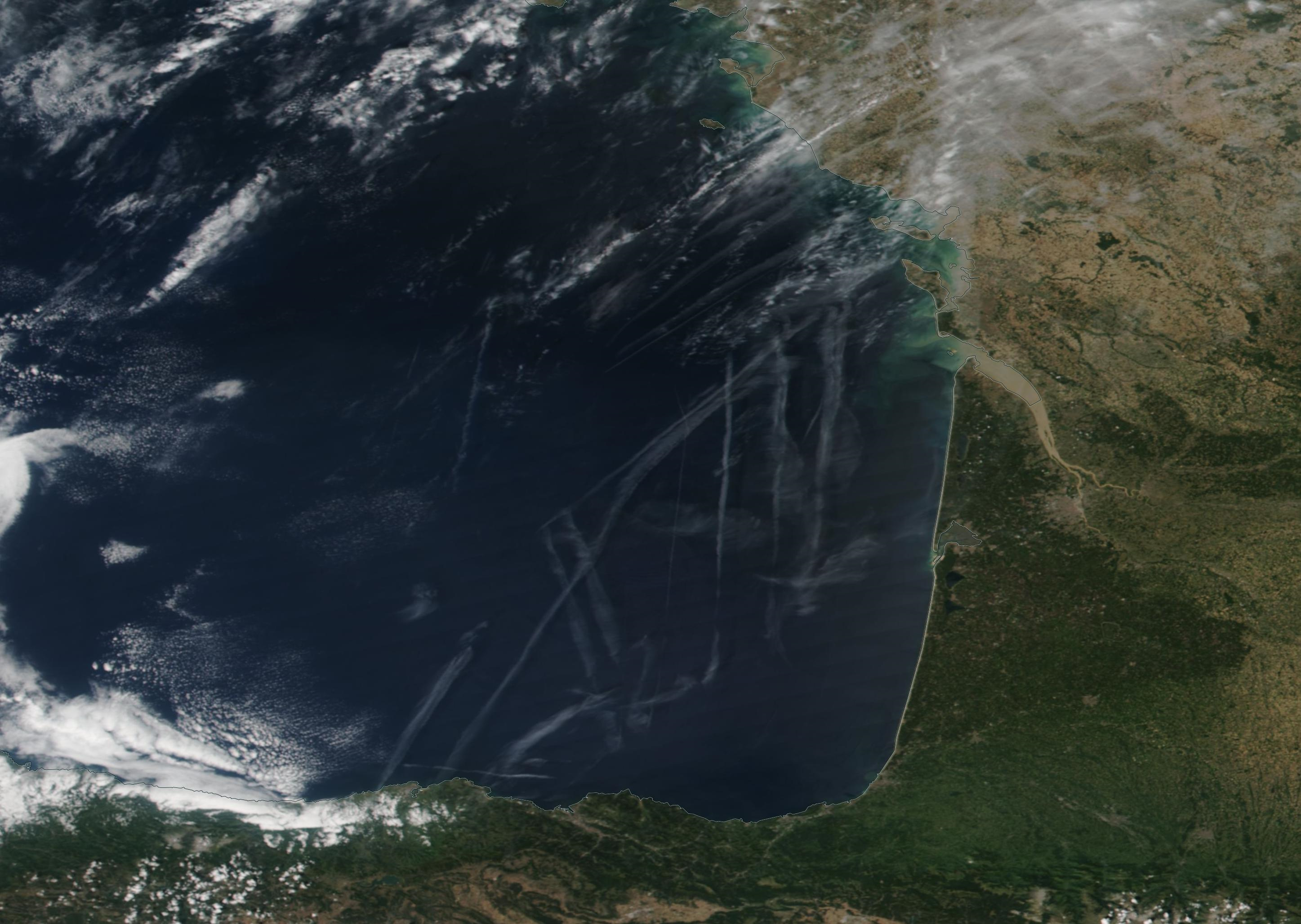 Bay of Biscay, Gironde, Bordeaux chemtrail geoengineering  https://go.nasa.gov/2OL82Q8