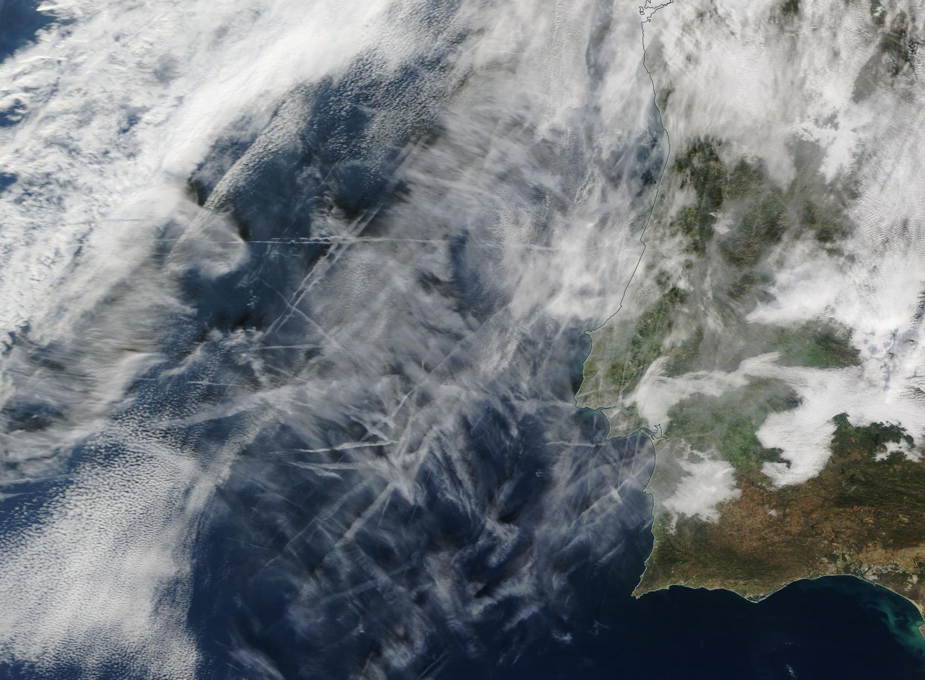 Lisbon, Portugal chemtrails geoengineering 10 Dec 2019 ... https://go.nasa.gov/2YzsVPc