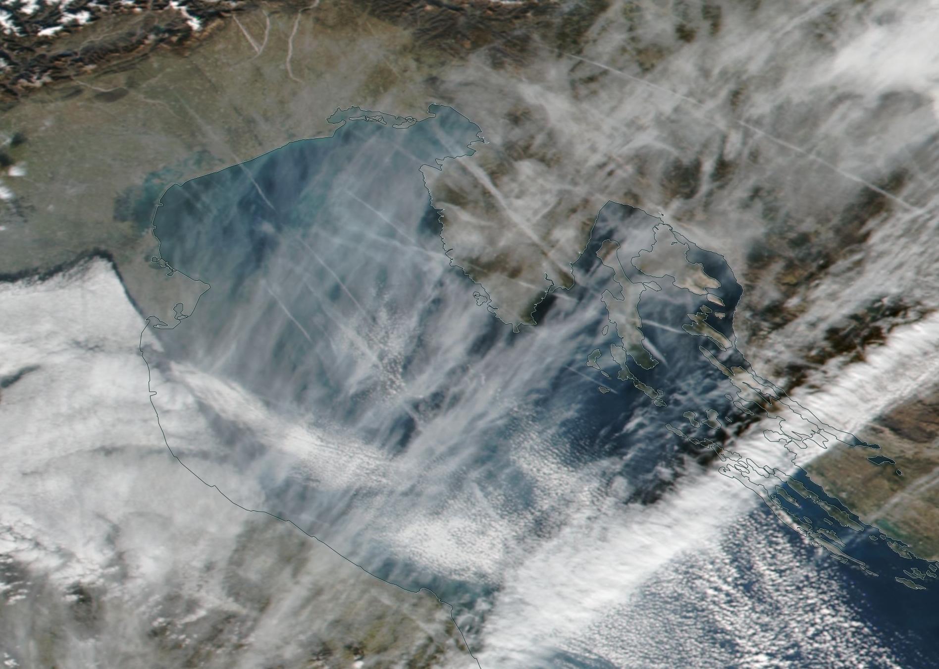 Jan 16 2020 obvious chemtrail Adriatic, Croatia, Golfo de Venezia, Venice ... https://go.nasa.gov/2OT9sFM