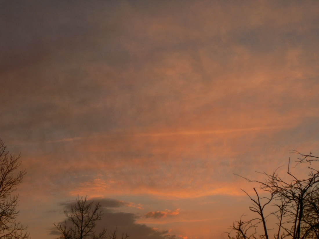Sunset reveals chemtrails already suspected to be there 7 Feb 2020 NE England